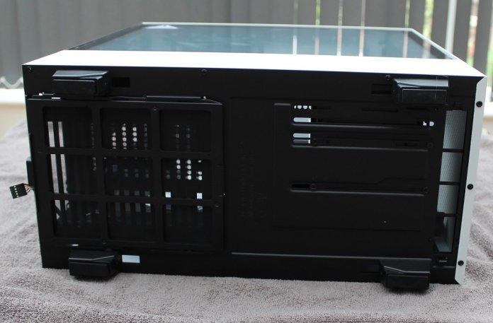 NZXT H500i bottom