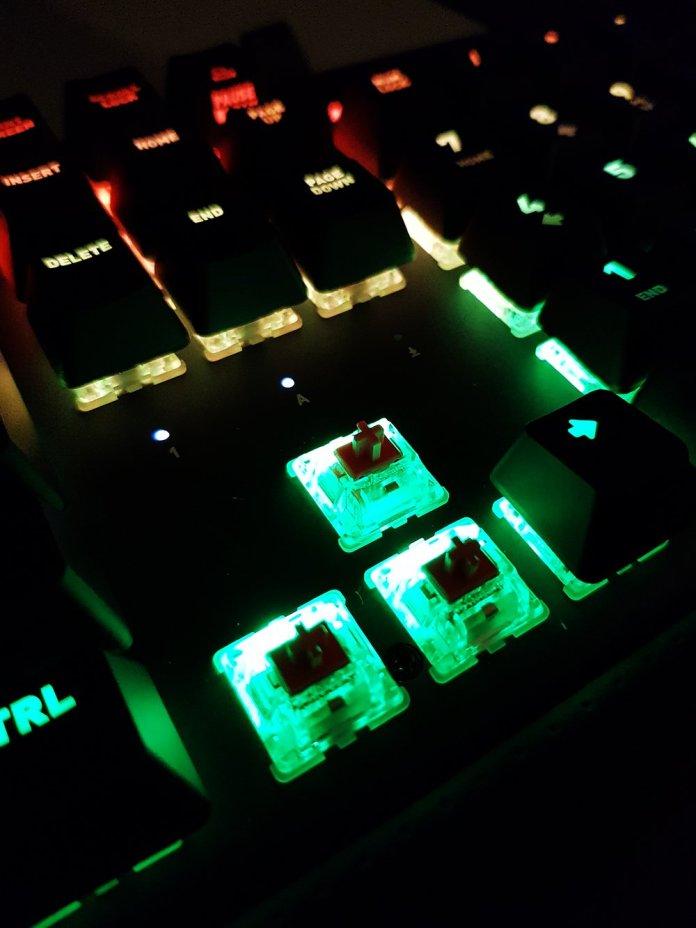 Fnatic Streak and miniStreak RGB Mechanical Keyboard (12)