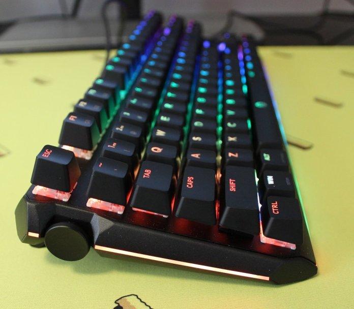 Drevo Blademaster TE left side LED