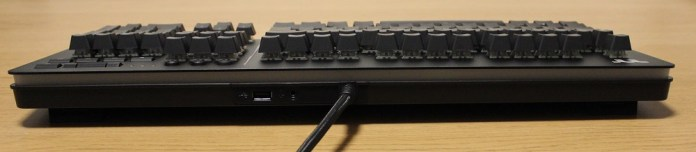 TT Level 20 Mechanical Keyboard rear profile