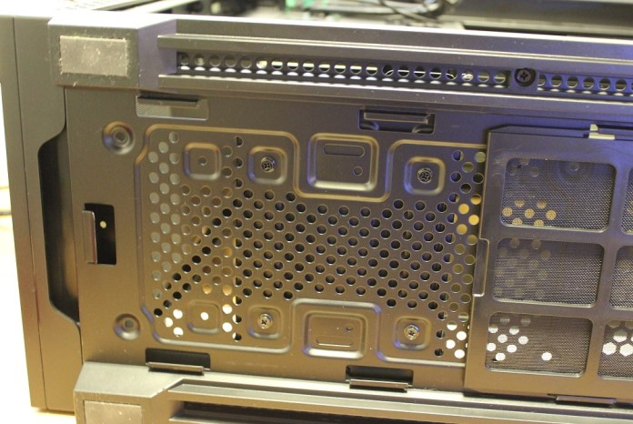 Deepcool Matrexx 70 hdd cage mountings