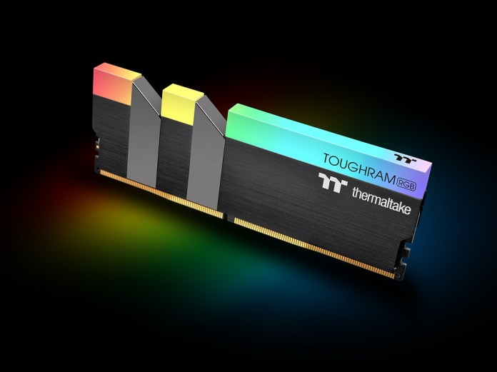 Thermaltake TOUGHRAM RGB DDR4 Memory_4