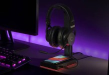 Cooler Master GS750 Headset Stand Feature