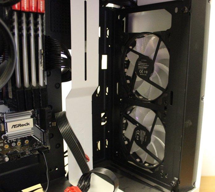 Speedlink MYX LED front fans installed