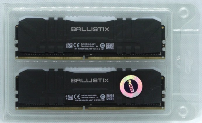 crucial-ballistix-rgb-ddr4-3600-2x8gb-packaging-inside-front