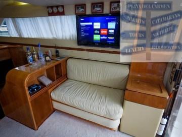 47-ft azimut yacht