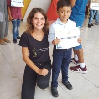 Verleihung der Zertifikate an die stolzen SchülerInnen