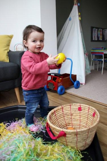Easter-Egg-Hunt-Sensory-Basket-3