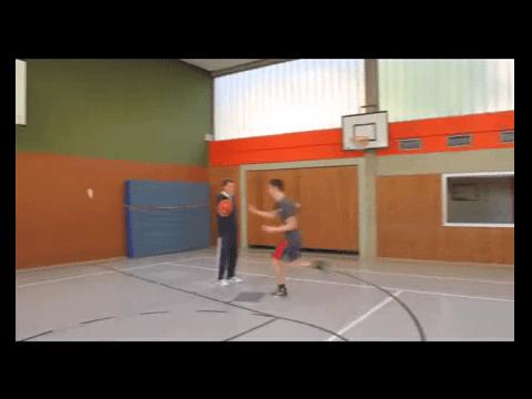 029 Basics – Korbleger nach Hand-off ohne Dribbling