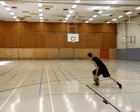 043 Basics – Handwechsel durch die Beine