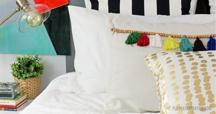 How-to-Make-Tassel-Trim-Pillows-F2