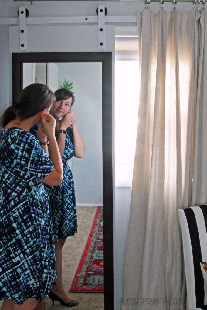 Sliding-Mirror-Door-01