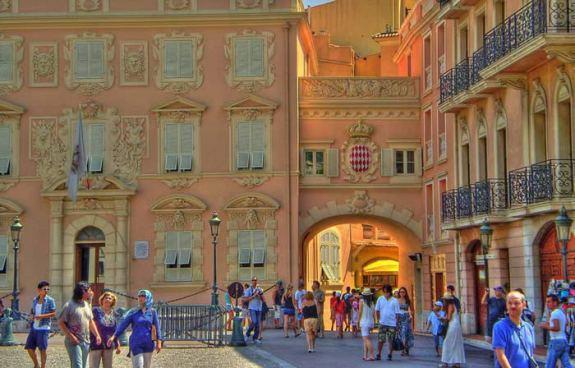 Place-du-Palais-monaco