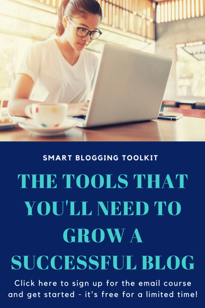 Blogging tips and tools: If you want to grow your #blog and reach all your #blogging goals, this course is exactly what you need! Smart Blogging Toolkit is a 7-day email course that includes all the tools that helped me grow my blog and can help you too! The course is free for a limited time so just sign up and get started! | Blogging tips | How to grow a blog | Blogging tools