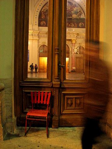 Budapest, Keleti Railway Terminal: The Red Chair