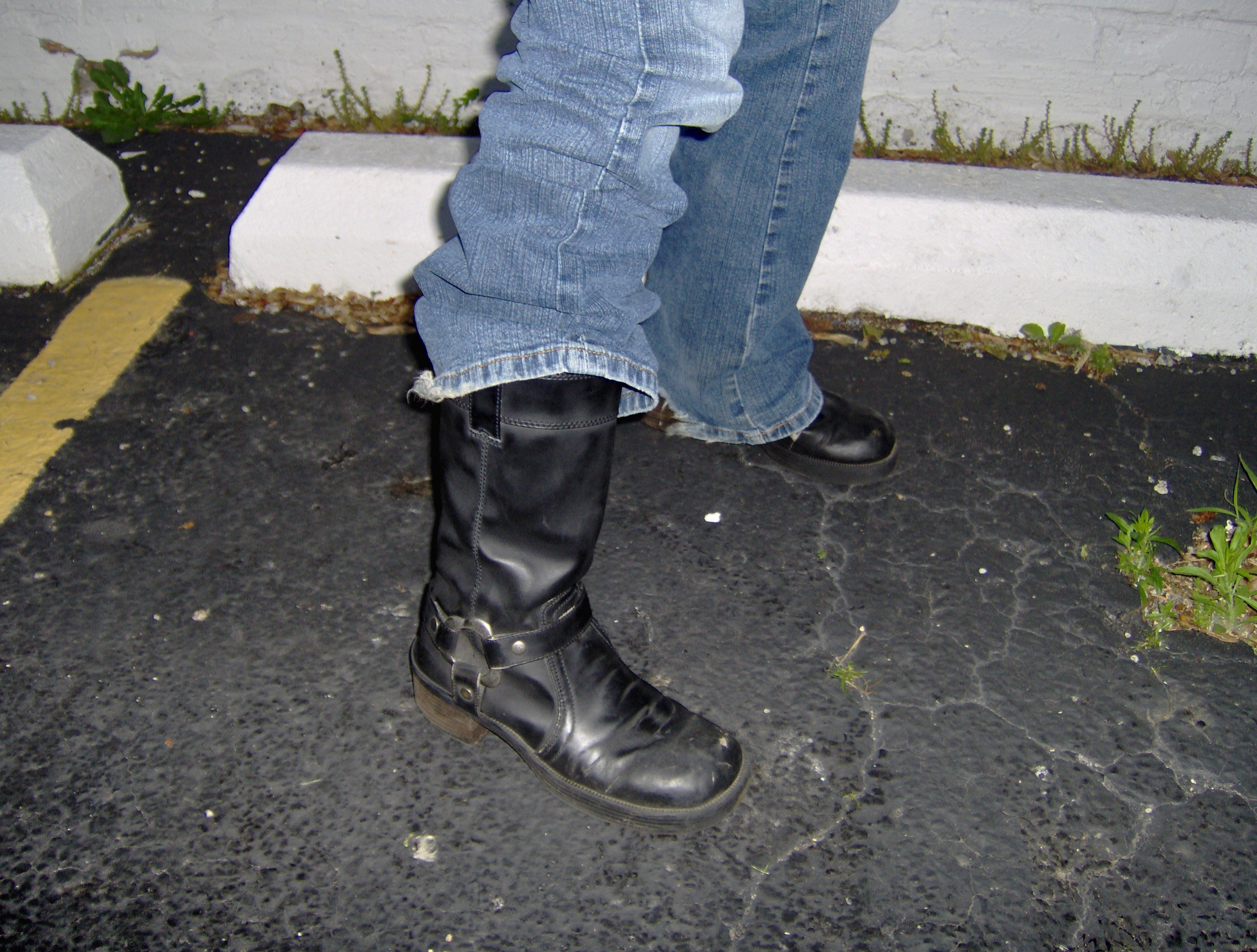 The ankle is a vulnerable bone, covered only by a layer of skin. Ankle supporting boots lessen the risk of a shattered ankle should you take a spill. These are a size 7. Photo by Gene Kieca.