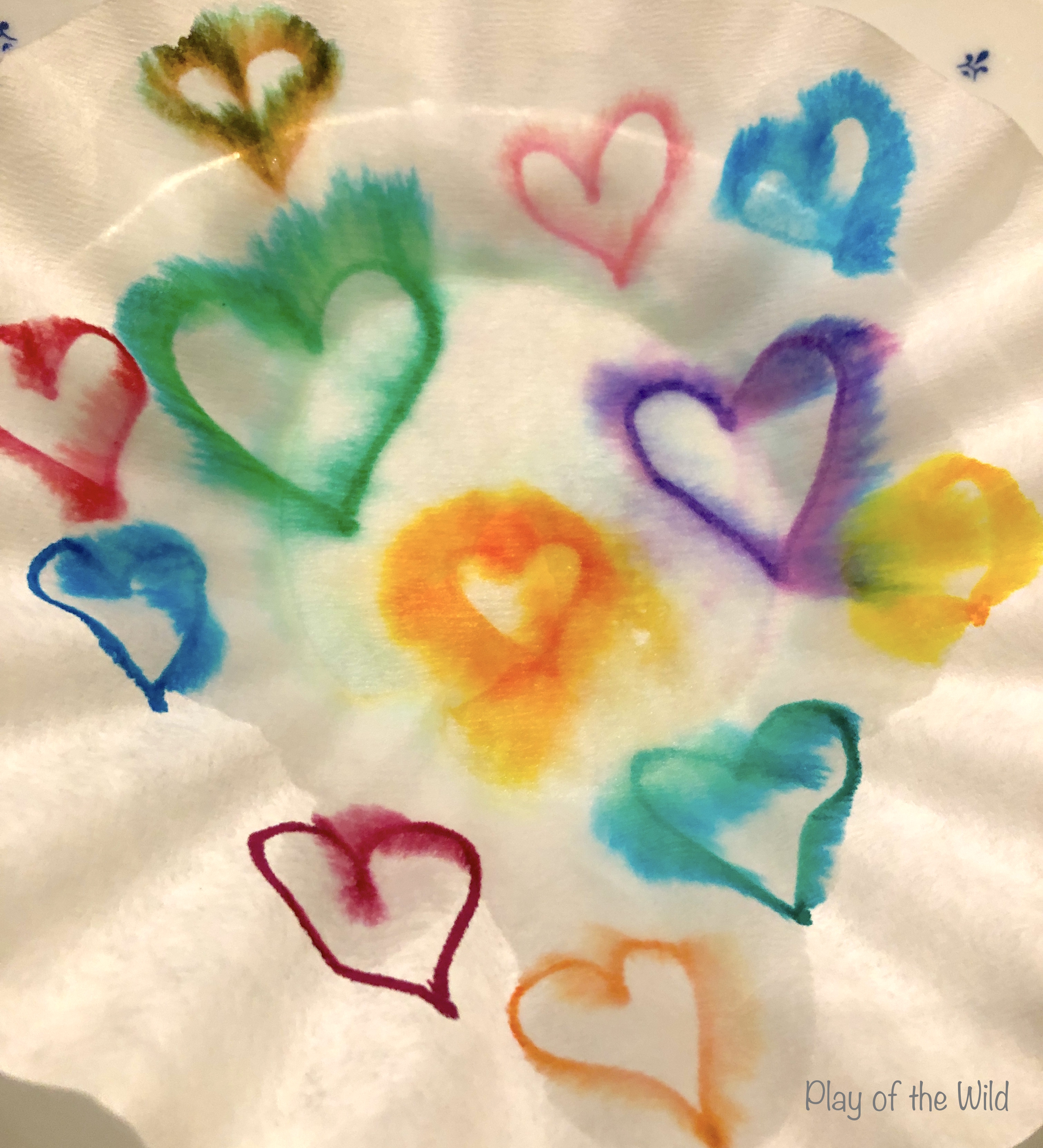 chomatography art for children. Valentines STEM Art Projects for Toddlers and Kids.