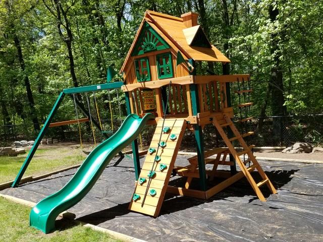 Gorilla Chateau Treehouse