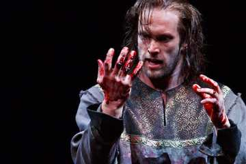 Ian Lake as Macbeth in Macbeth. Photography by David Hou.