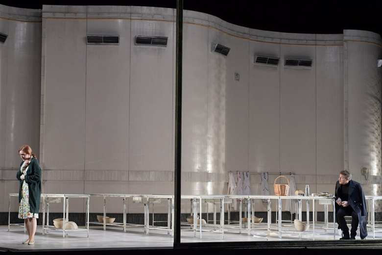 Eugen Onegin, Oper Frankfurt © Barbara Aumüller