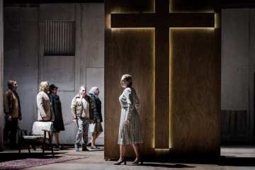 Opera North's Cavalleria rusticana Photo Robert Workman