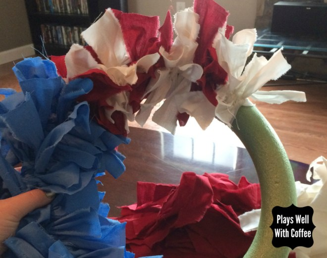 How to Make an Independence Day Rag Wreath Plays Well With Coffee