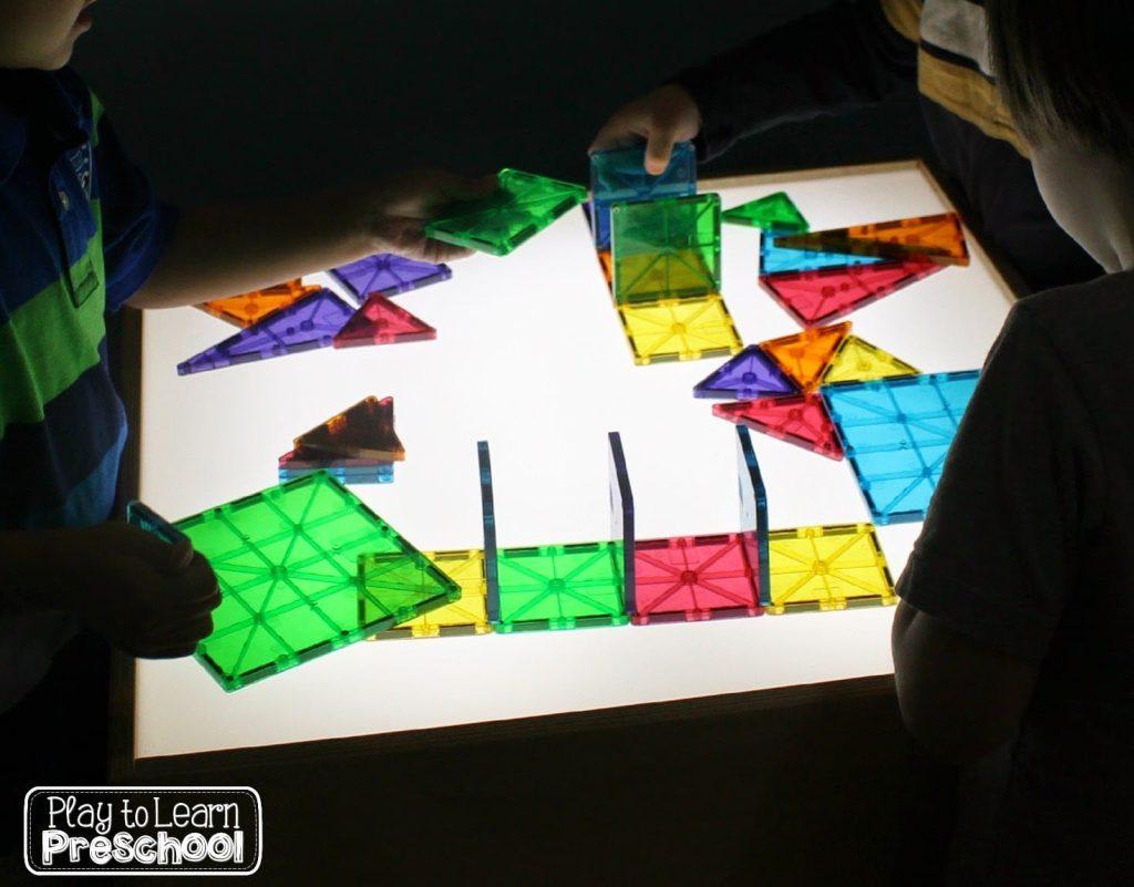 magna tiles light table
