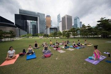 20150502 - Cora Tamar Park Yoga II - 008