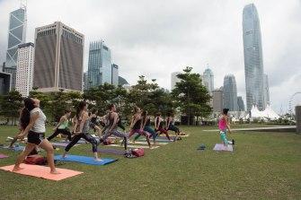 20150502 - Cora Tamar Park Yoga II - 213