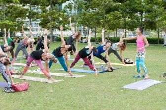 20150502 - Cora Tamar Park Yoga II - 914