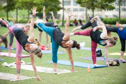 20150502 - Cora Tamar Park Yoga II - 957