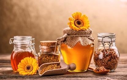 10 Amazing Health Benefits of Liquid Gold Honey