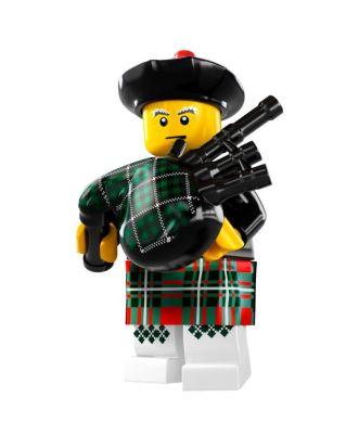 Lego-Minifigure-S7-Bagpiper - Bagpiping