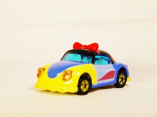 TOMICA-Disney-Princess-Snow_White-Poppins Beetle-Blue-2