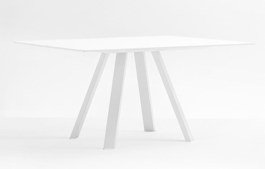 table 4 pieds arki