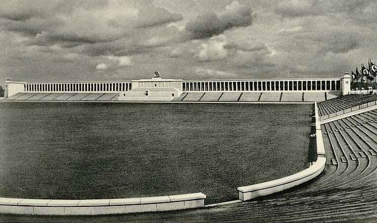 "By Stoja-Verlag Paul Janke, Nürnberg (Postkarte ""Stoja"", Stojaton Nr 597) [Public domain], via Wikimedia Commons"