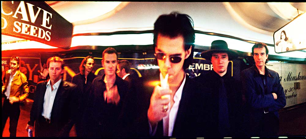 Nick Cave & The Bad Seeds - Buenos Aires '96 - photo by Steve Gullick