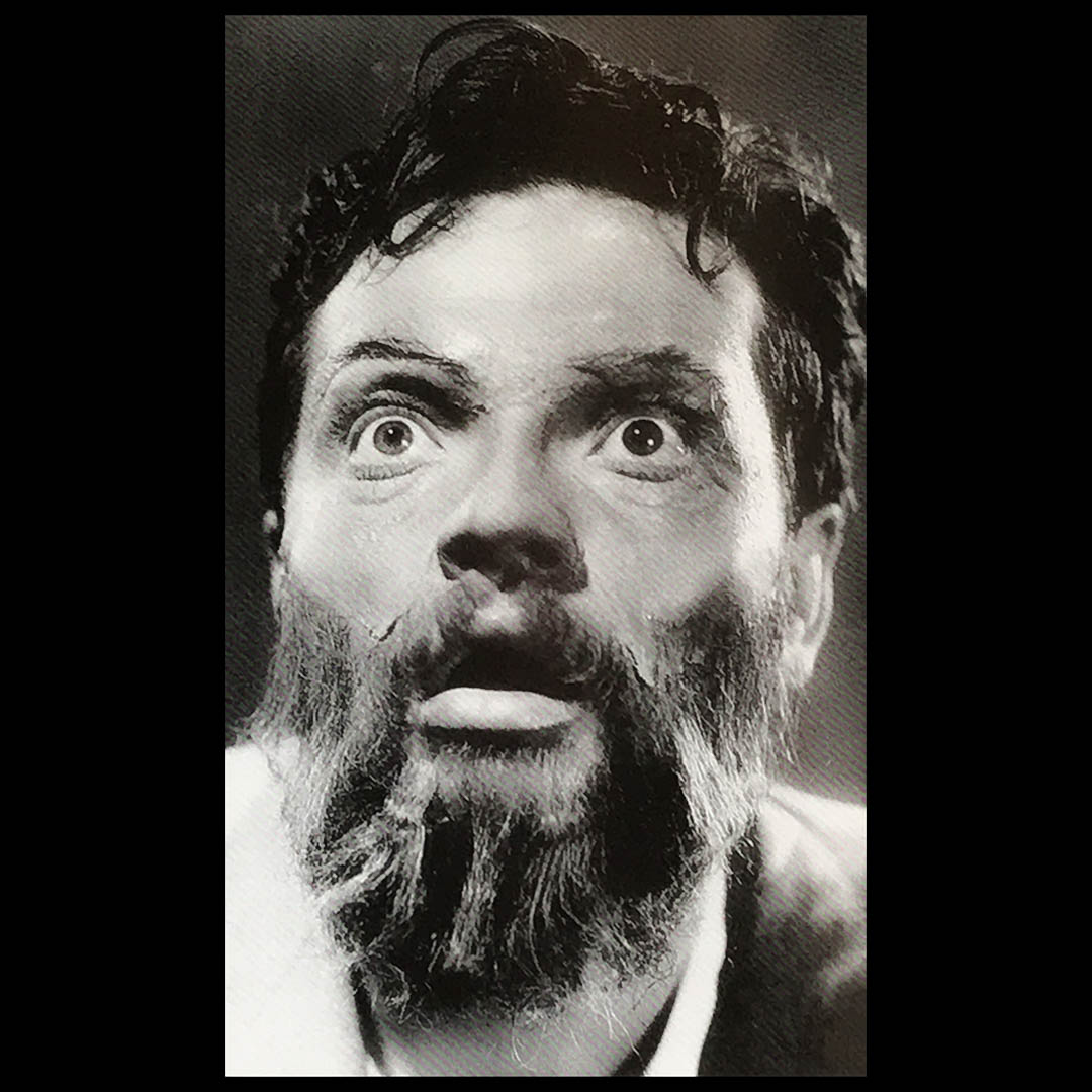 Orson Welles in makeup as Kurtz