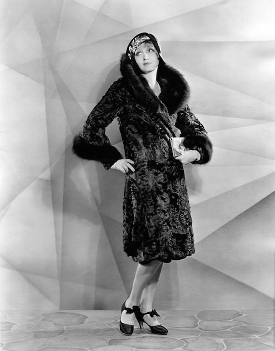 Hedda Hopper 1929 - by Bain News Service [Public domain], via Wikimedia Commons