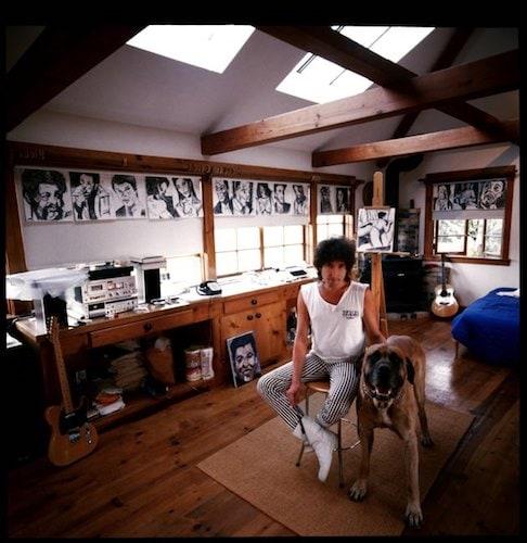 Bob Dylan in studio.