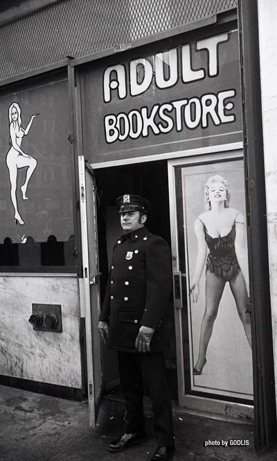 Times Square 1976 - By Godlis