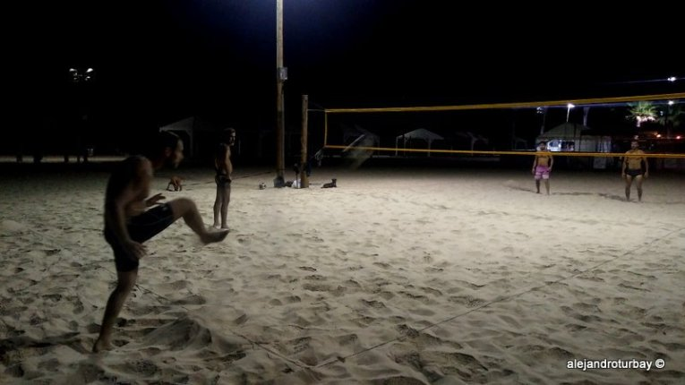 Playing footvolley