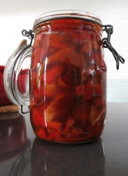 ILitre pickled sweet red peppers
