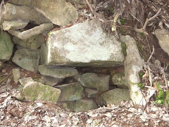 吉田郡山城跡の石垣