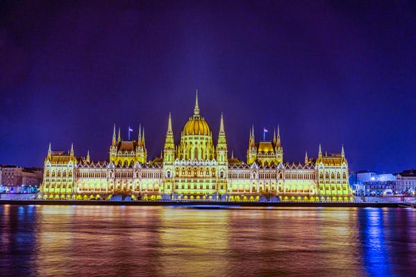 Le parlement vue nocturne