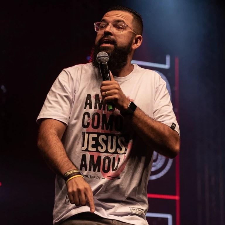 Douglas Gonçalves, pastor e líder do Jesus Copy