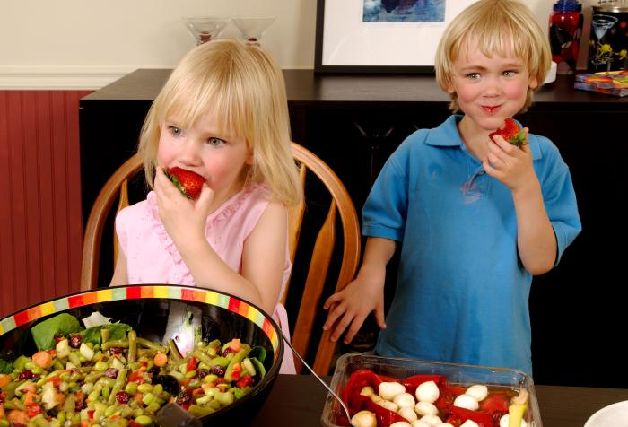 Tips for Raising Vegetarian Children