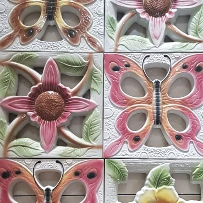 roster keramik bunga sepatu