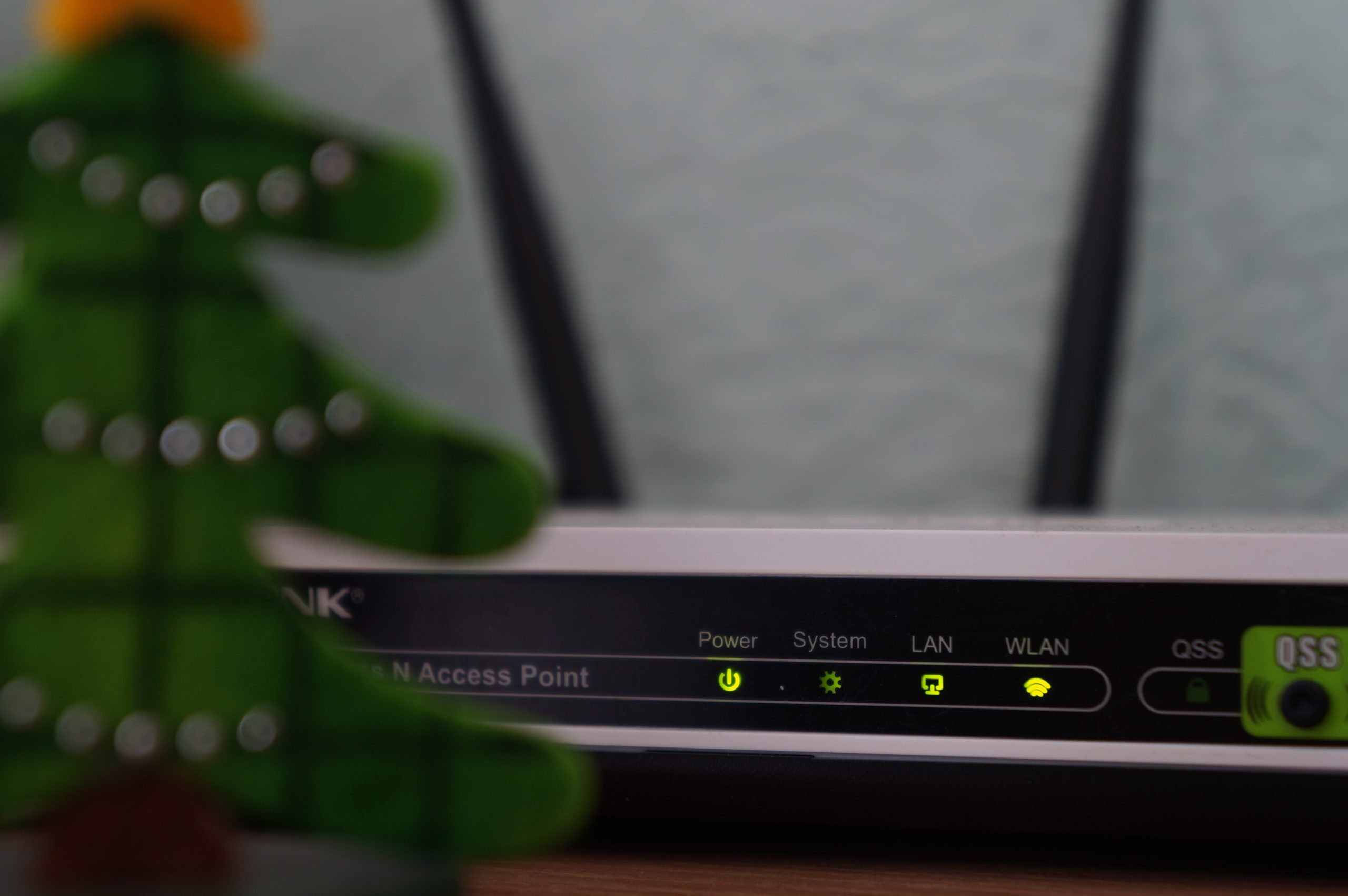 reposition your internet router to improve internet connection to fix Paramount Plus keeps buffering, not working, playing or loading