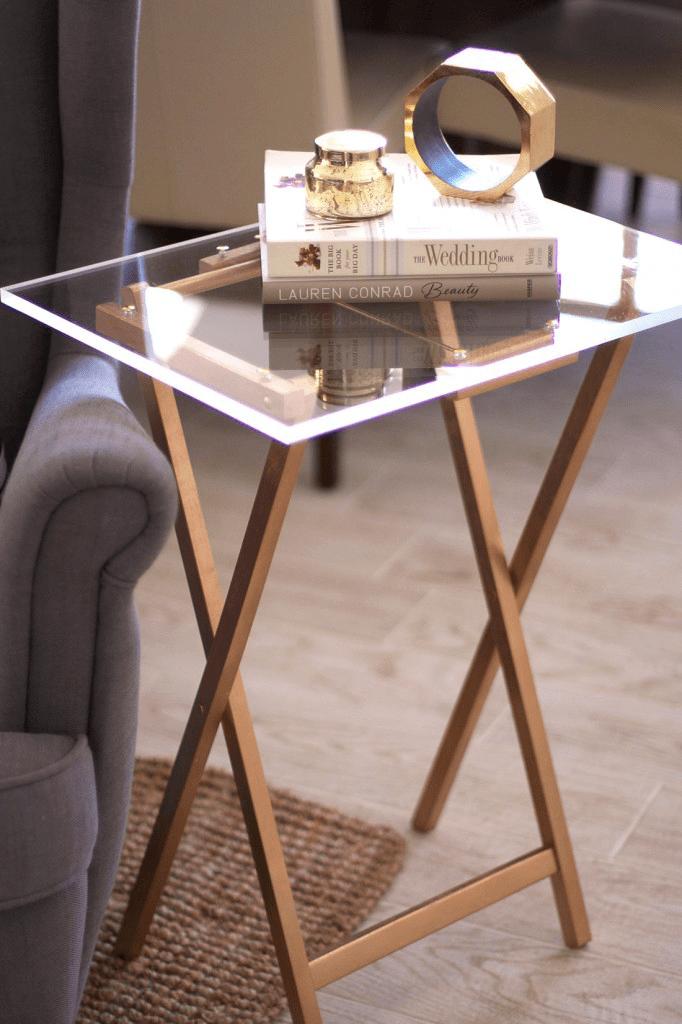 table d appoint en plexiglass